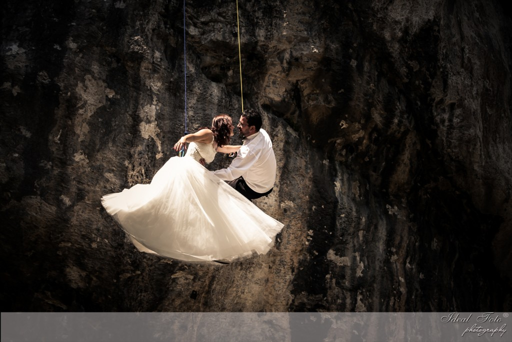 Sedinta foto Trash the Dress la munte